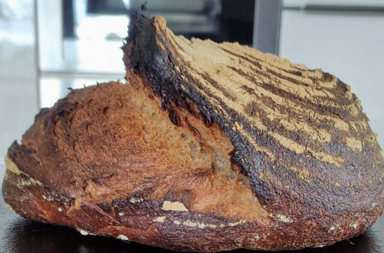 Sauerteig-Mischbrot mit Weizenvollkorn und Emmermehl